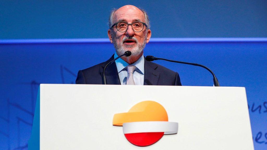 Brufau, imputado por contratar al excomisario Villarejo para frenar la entrada de Sacyr en Repsol