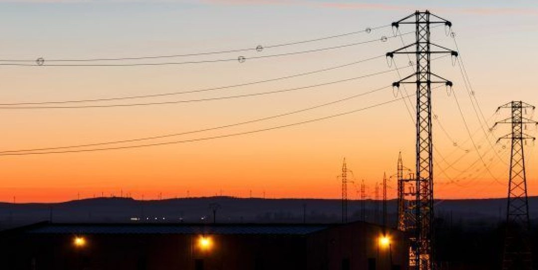 Alertan de cierres en industrias y despidos por el coste eléctrico